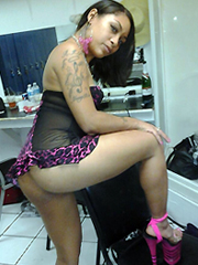 Ebony BBW on high heels pink