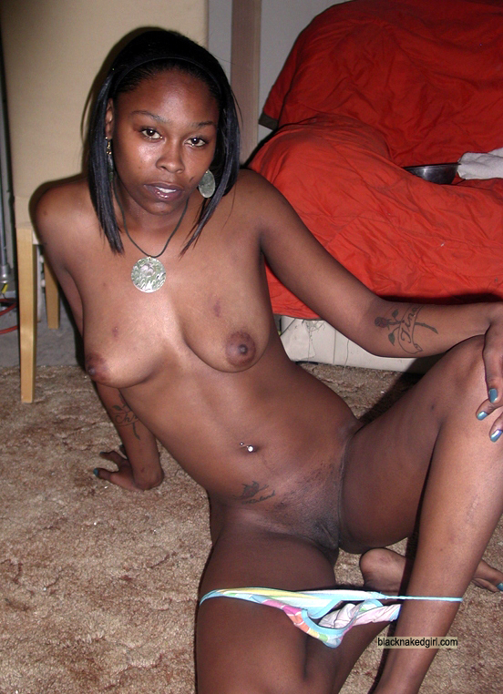 TANIA: Nude africa hot ebony thumbs